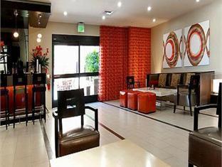 Interior Holiday Inn Hotel & Suites Anaheim