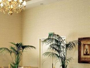 Marriott Suites Hotel