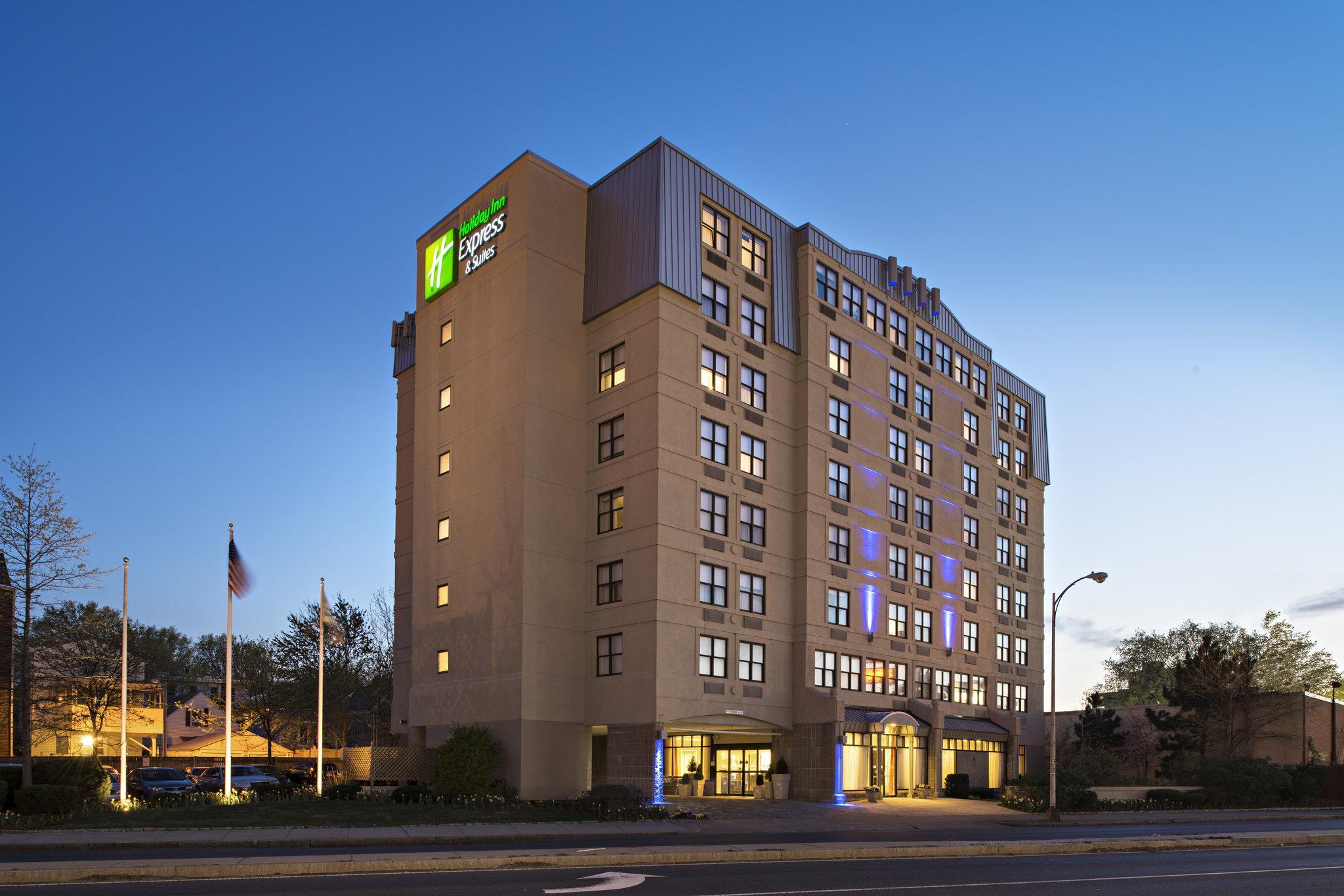 Holiday Inn Express Hotel & Suites Boston-Cambridge image