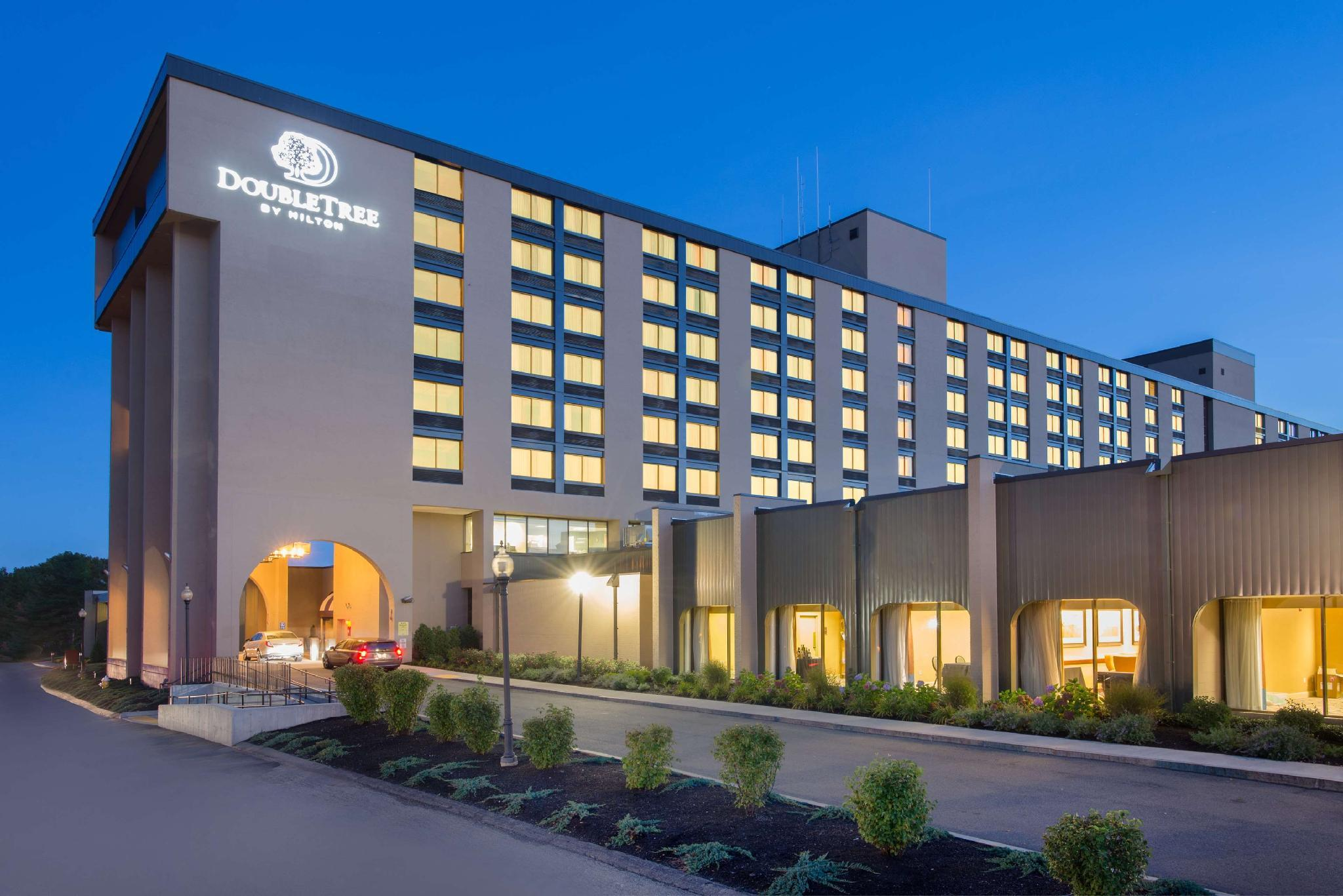 DoubleTree by Hilton Boston North Shore Hotel image