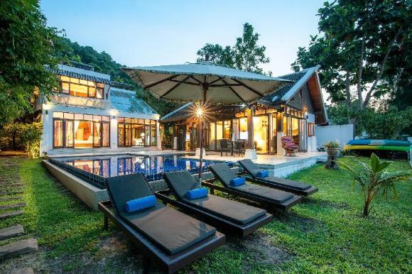 Villa Lilly Beach Front Villa