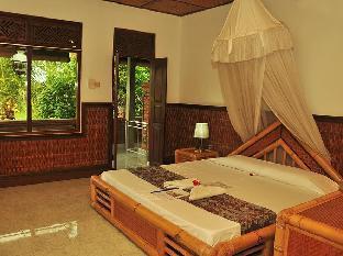 Three Dewis Hotel