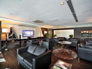 ONE15 Marina Club Singapore - Executive Lounge