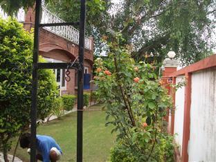 Col Sharma's Homestay Агра