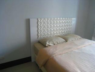 One Livable Area in Greenbelt Excelsior Condominium Manila - Bedroom
