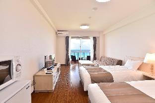 Hotel Breeze Bay Marina image