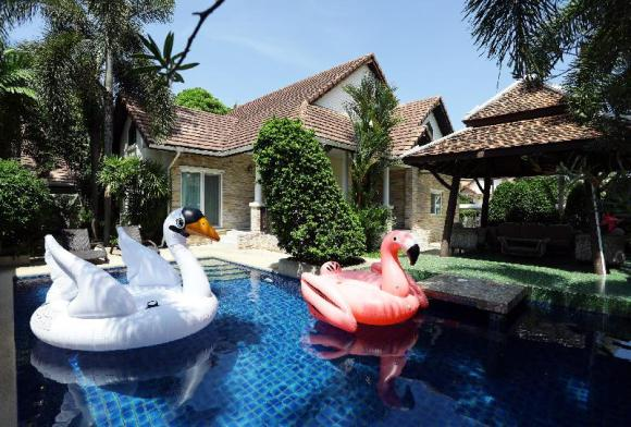 Pool villa Pattaya Green Residence