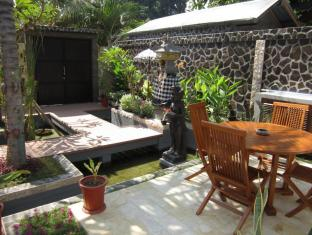 Lovina Oasis Hotel Bali - Outdoor seating