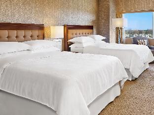 Front view of Sheraton Detroit Novi Hotel