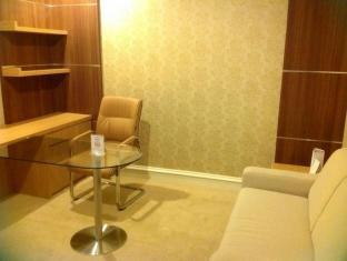 Surabaya Suites Hotel Surabaya - Business Suite
