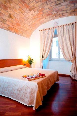 Booking Now ! Priscilla Hotel