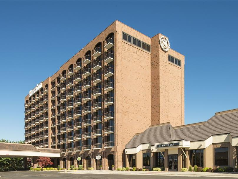 Sheraton Salt Lake City Hotel image