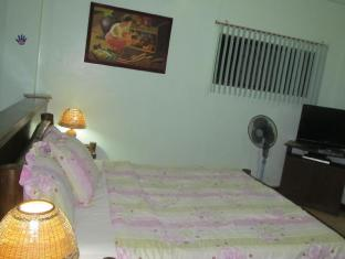 Drifters British Pub and Apartelle Davao - Guest Room