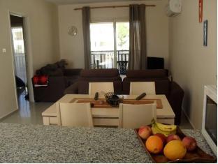 Victoria Apartment Tersefanou - Suite Room