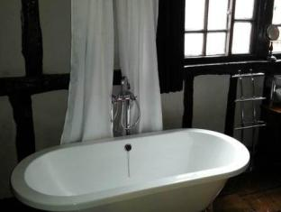 The Old Gallery and Chamber Apartments York - Bathroom
