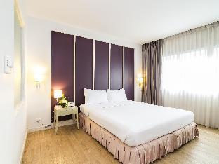 Trang Hotel Bangkok guestroom junior suite