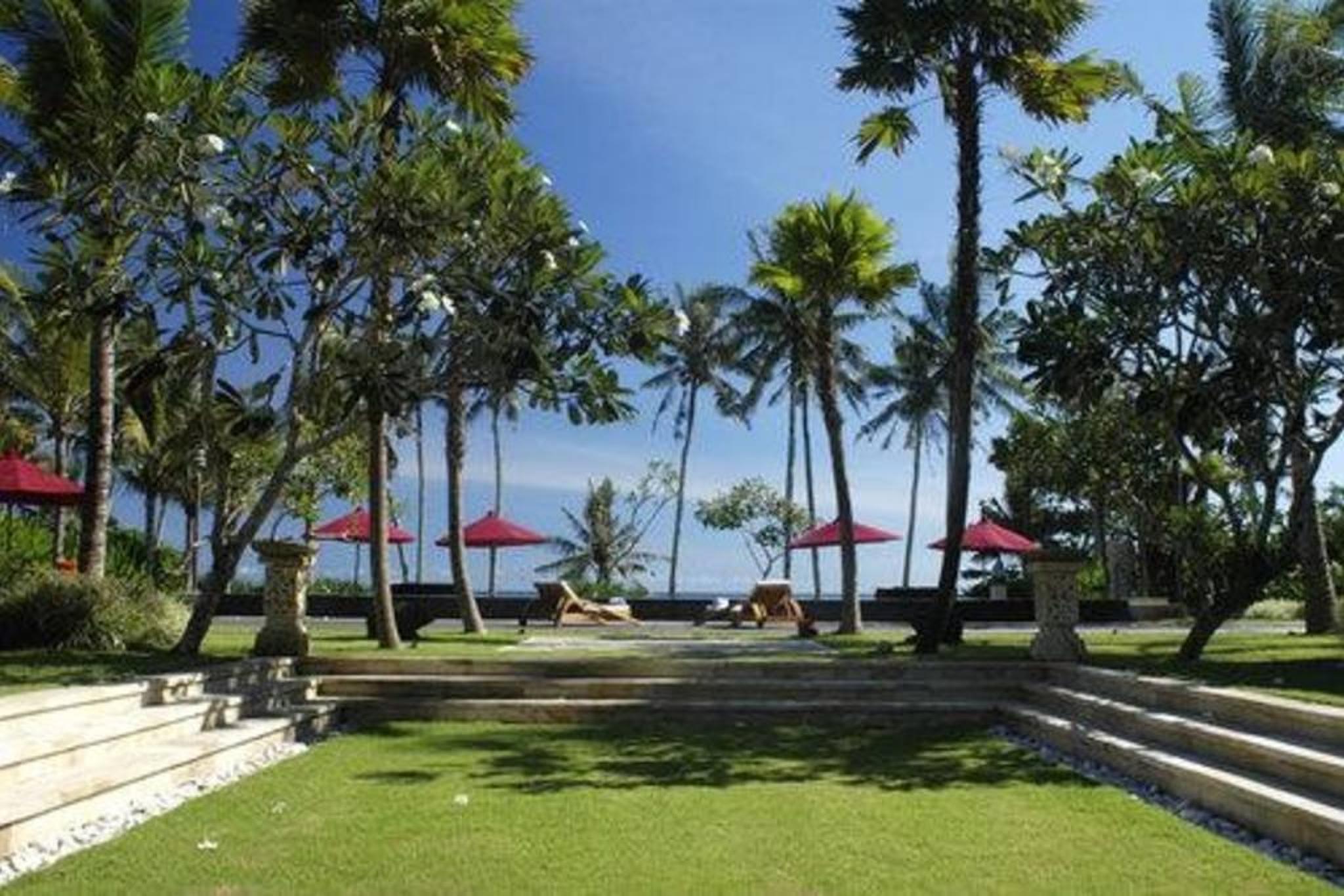 5 BDR Villa Beach Front Canggu