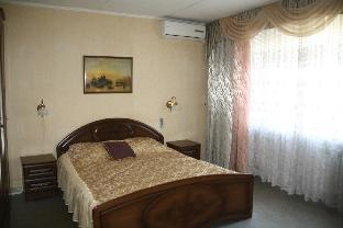 Apartment on Larina