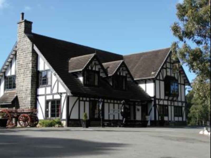 Fox & Hounds Inn Port Arthur