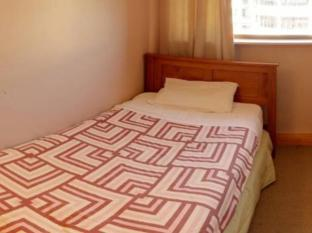 Wellywood Backpackers Wellington - Single Room with Shared Bathroom