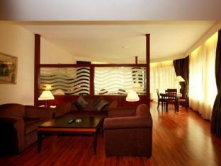 Howard Johnson Hotel - Howard Johnson Hotel Dubai - Executive Suite