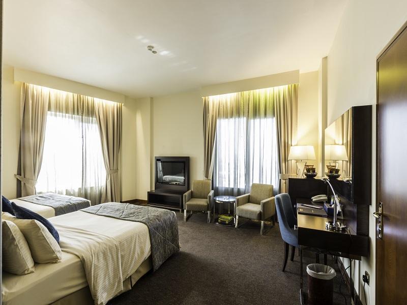 Howard Johnson Hotel - Guest Room