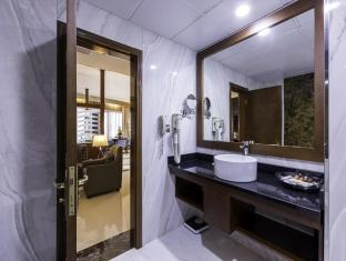 Howard Johnson Hotel - Howard Johnson Hotel Dubai - Deluxe Bathroom Facilities