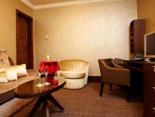 Courthouse Hotel London - Magistrate Suite Lounge