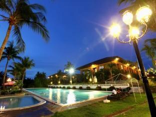 Fort Ilocandia Resort Hotel Λαοαγκ - Πισίνα