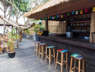 The Palms Ceningan Hotel Bali - The Palms Bar