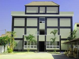 Bethany Apartment
