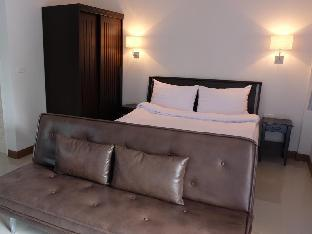 Nasuk House Cha-Am guestroom junior suite