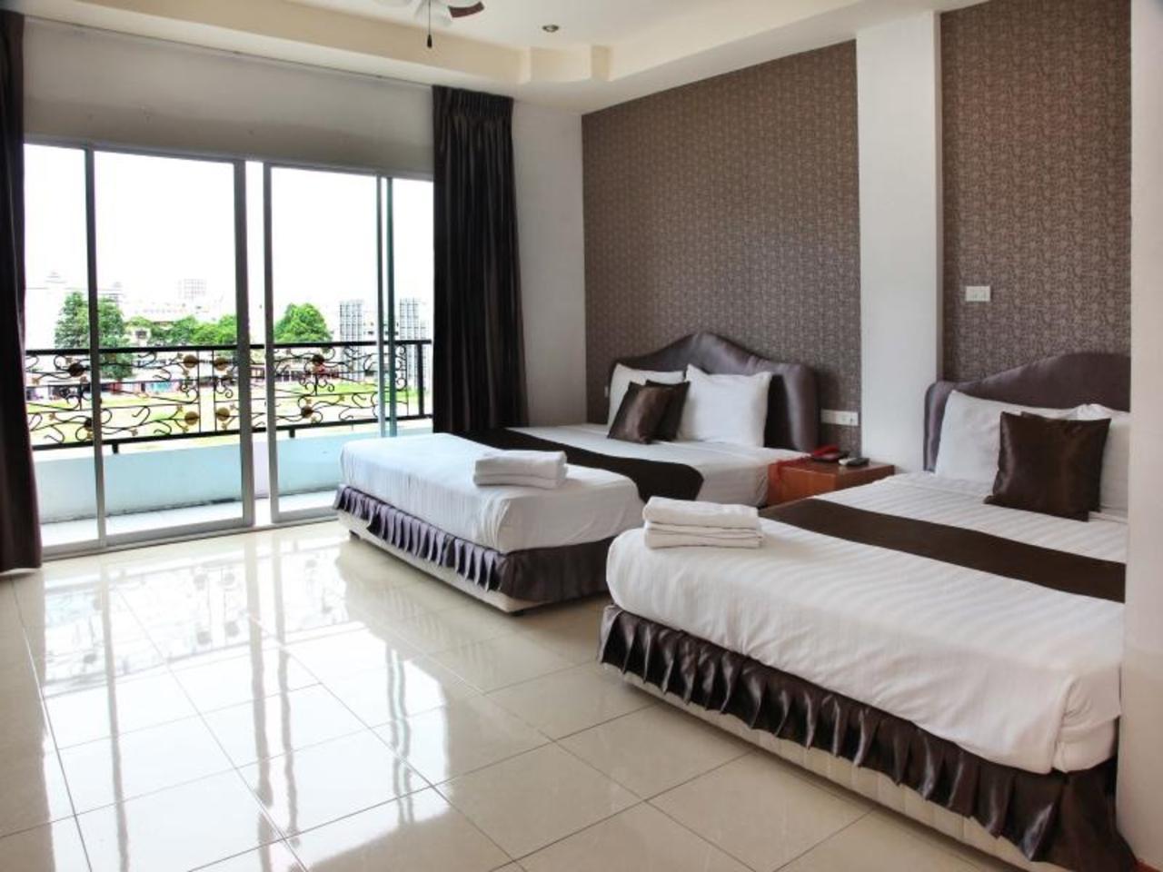 โรงแรมอารยา อินน์ พัททยา บีช (Arya Inn Pattaya Beach Hotel)