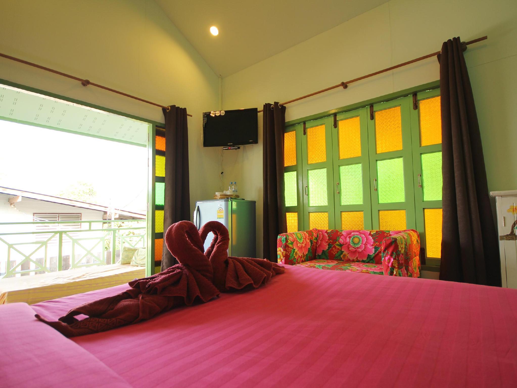 安帕瓦爱之家旅馆,บ้านรัก อัมพวา
