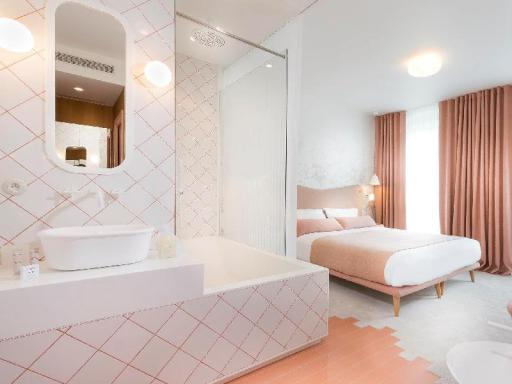 Hotel Le Lapin Blanc hotel accepts paypal in Paris