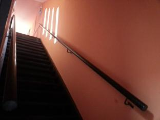 Quiikcat Guesthouse Kuching - Stairs