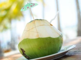 Bohol Beach Club Resort Panglao Island - fresh buko juice