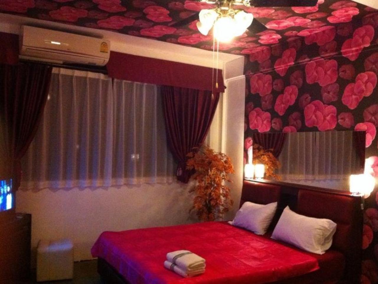 โรงแรมแมกซ์เวลล์ (Maxwell Hotel)