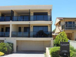 book Port Hughes hotels in South Australia without creditcard
