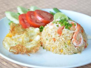 Welcome Plaza Hotel Pattaya - fried rice