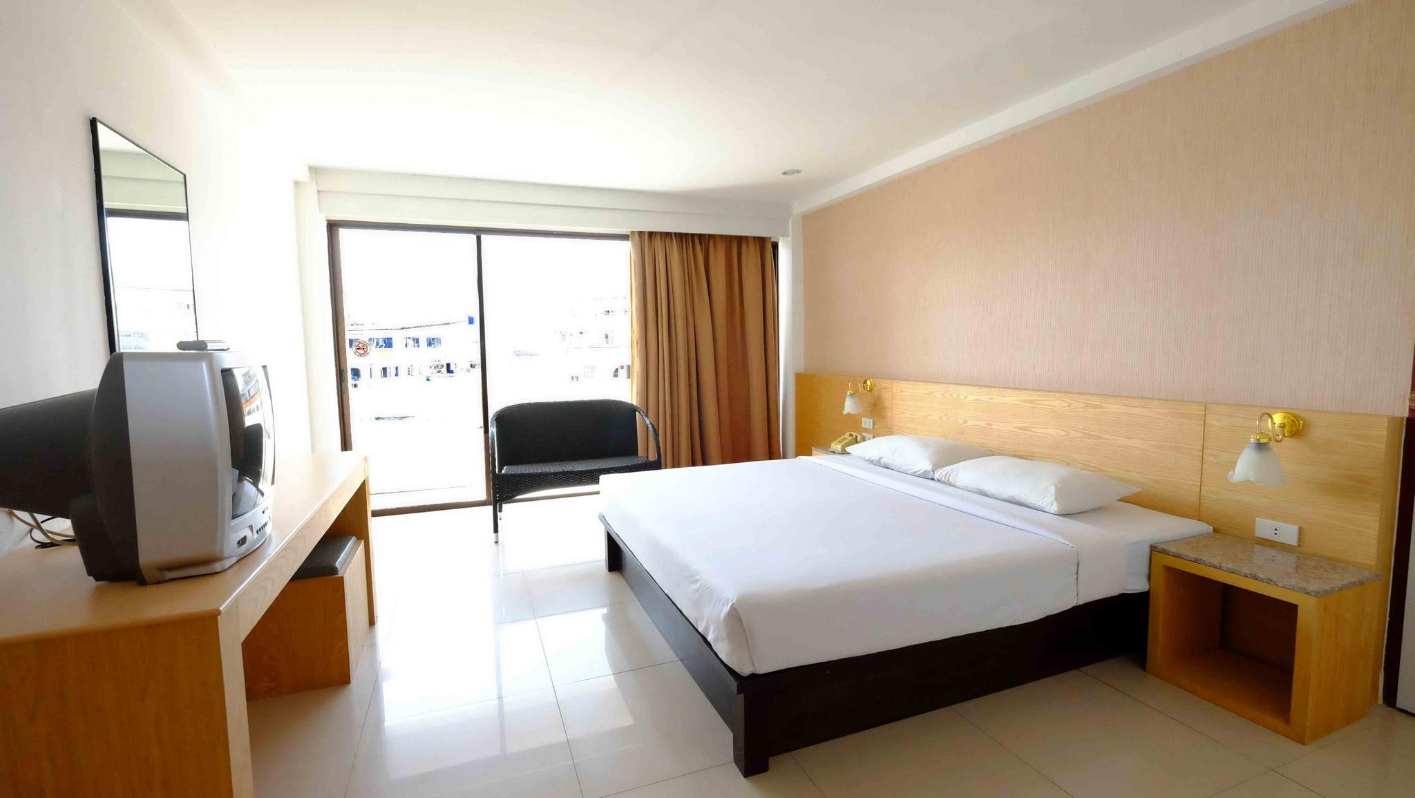 โรงแรมเวลคัม พลาซ่า