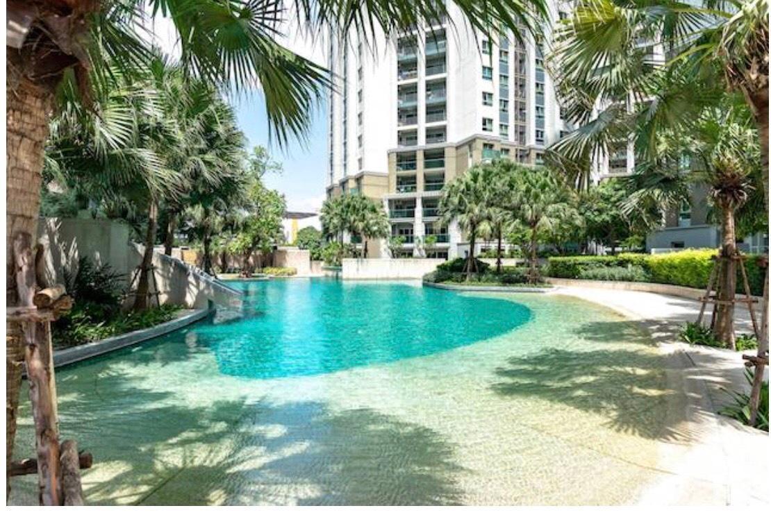Belle Condo Rama9, Luxury condo like resort.