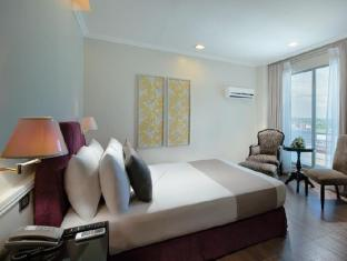 Metrocentre Hotel & Convention Center Tagbilaran City - Deluxe Double Room