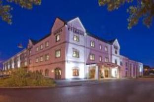 Booking Now ! Clybaun Hotel