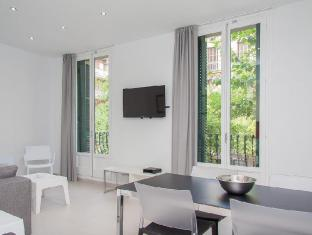 Rent4Days Stylish Sants Apartments