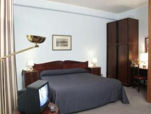 Hotel Terminus And Plaza Pisa - Guest Room
