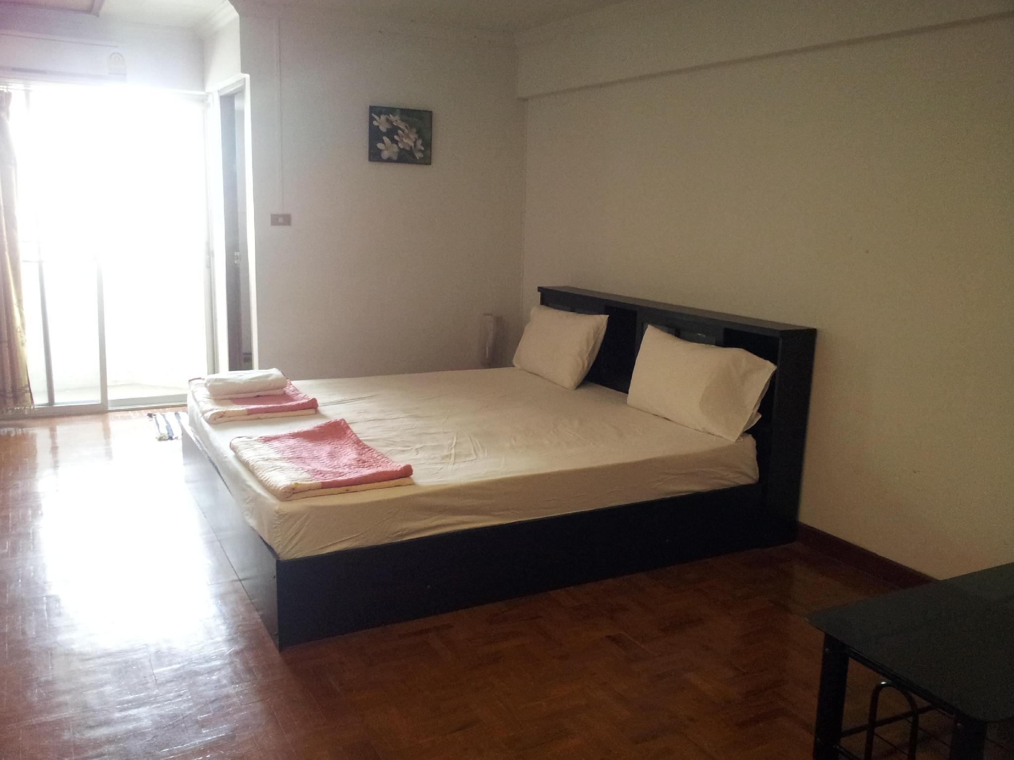 邦斯公寓式酒店-Krupaew,บางแสน คอนโดเทล บาย ครูแป๋ว