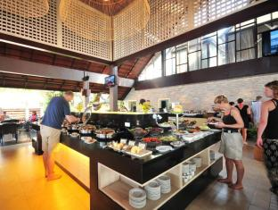 KC Grande Resort & Spa Koh Chang - Breakfast at The Beach Restaurant
