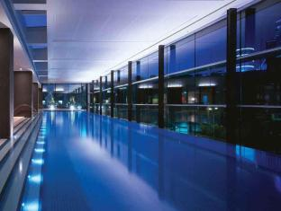 Crown Promenade Hotel Melbourne - Swimming Pool