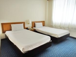 タクシン ホテル Thaksin Hotel
